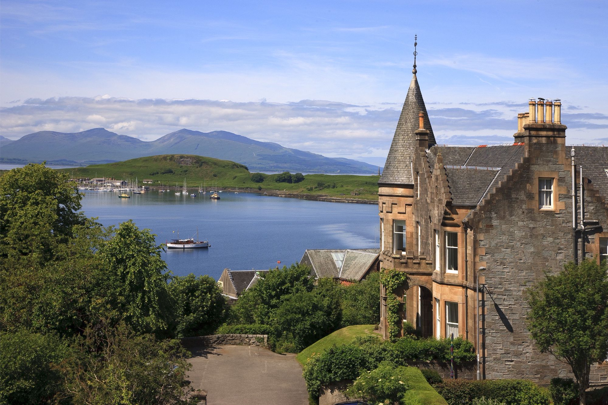Hotels, Cottages, B&Bs & Glamping in Argyll & Bute