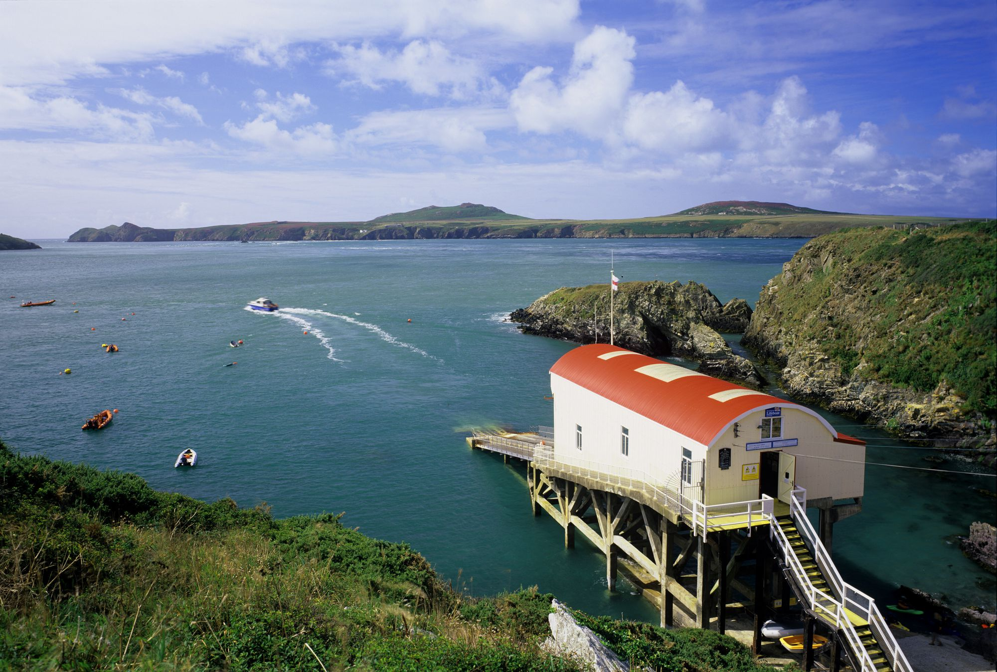 St Davids Camping | Best campsites in St Davids, Pembrokeshire