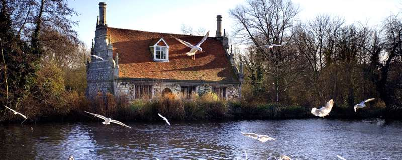 Hotels, Cottages, B&Bs & Glamping in Essex - Cool Places to Stay in the UK