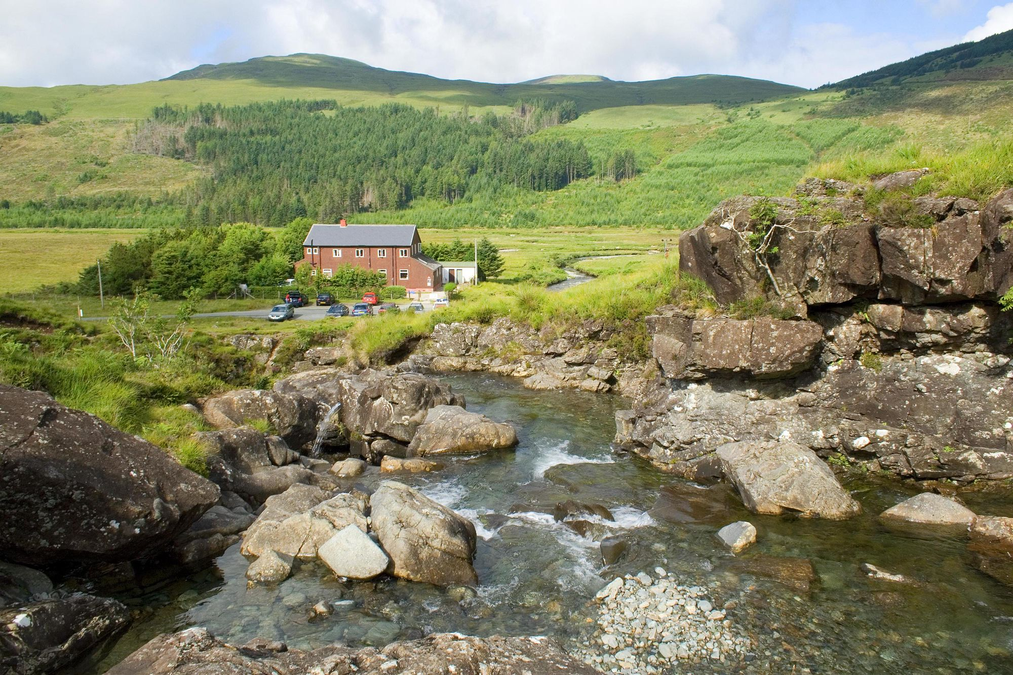 Hostels in Highlands holidays at Cool Places
