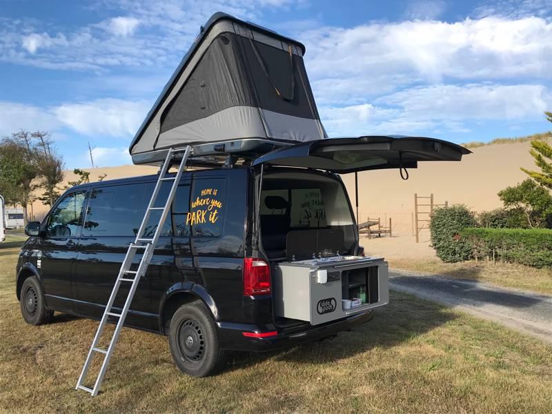 VW Camper & Roof Tent - Bordeaux Agency
