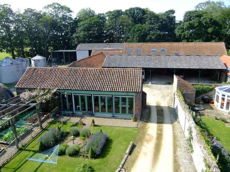 Dale Farm Holidays Bartindale Road, Hunmanby, nr Filey, North Yorkshire YO14 0JD