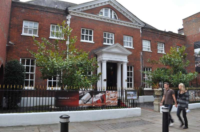 Sir Christopher Wren's House Hotel & Spa Thames Street Windsor SL4 1PX