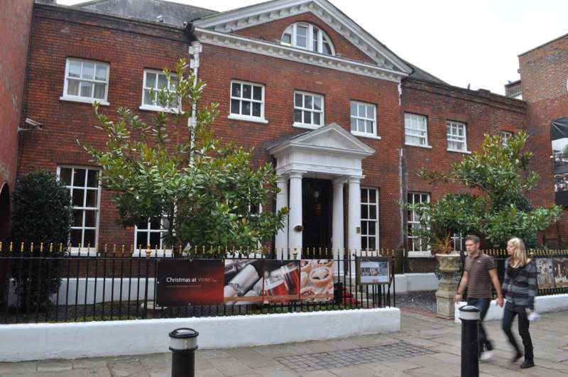 Sir Christopher Wren's House Hotel & Spa Thames Street Windsor SL4 1PX