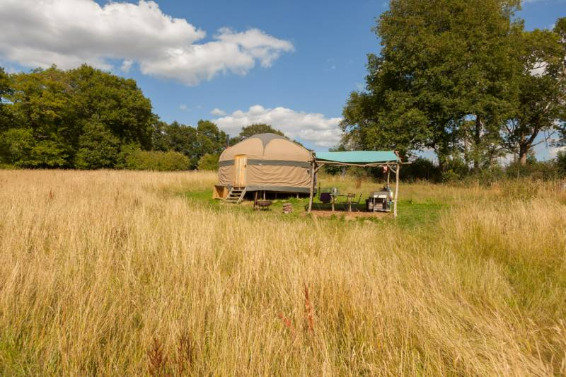 Oak Yurt - 18ft with outdoor kitchen