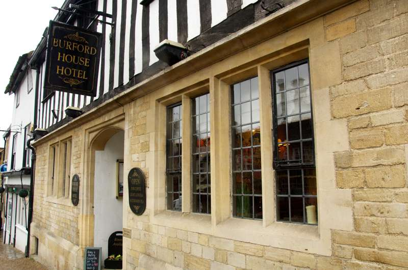 Burford House Hotel 99 High Street Burford Oxfordshire OX18 4QA