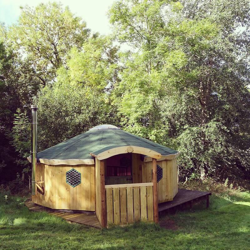 Strawberry Skys Yurts Clyniarth Cottage, Cyfronydd, Powys SY21 9HB