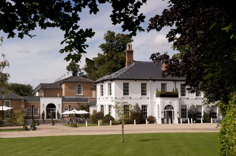 Bedford Lodge Hotel & Spa Bury Rd Newmarket Suffolk CB8 7BX