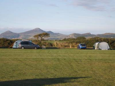 Traditional camping with easy access to the beach in one of Wales' most scenic locations.
