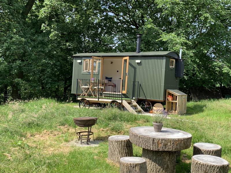 Whitelee Farm Shepherd Huts Nr Danebridge, Macclesfield, Cheshire SK11 0QE