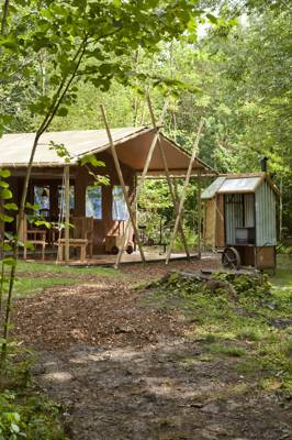 £100 off at Feather Down Country Retreats