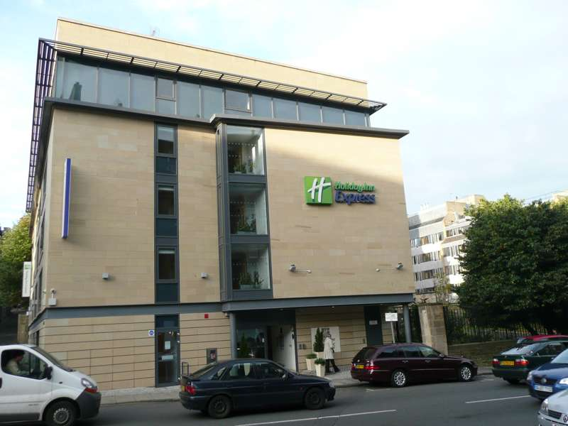 Holiday Inn Express 300 Cowgate Edinburgh EH1 1NA