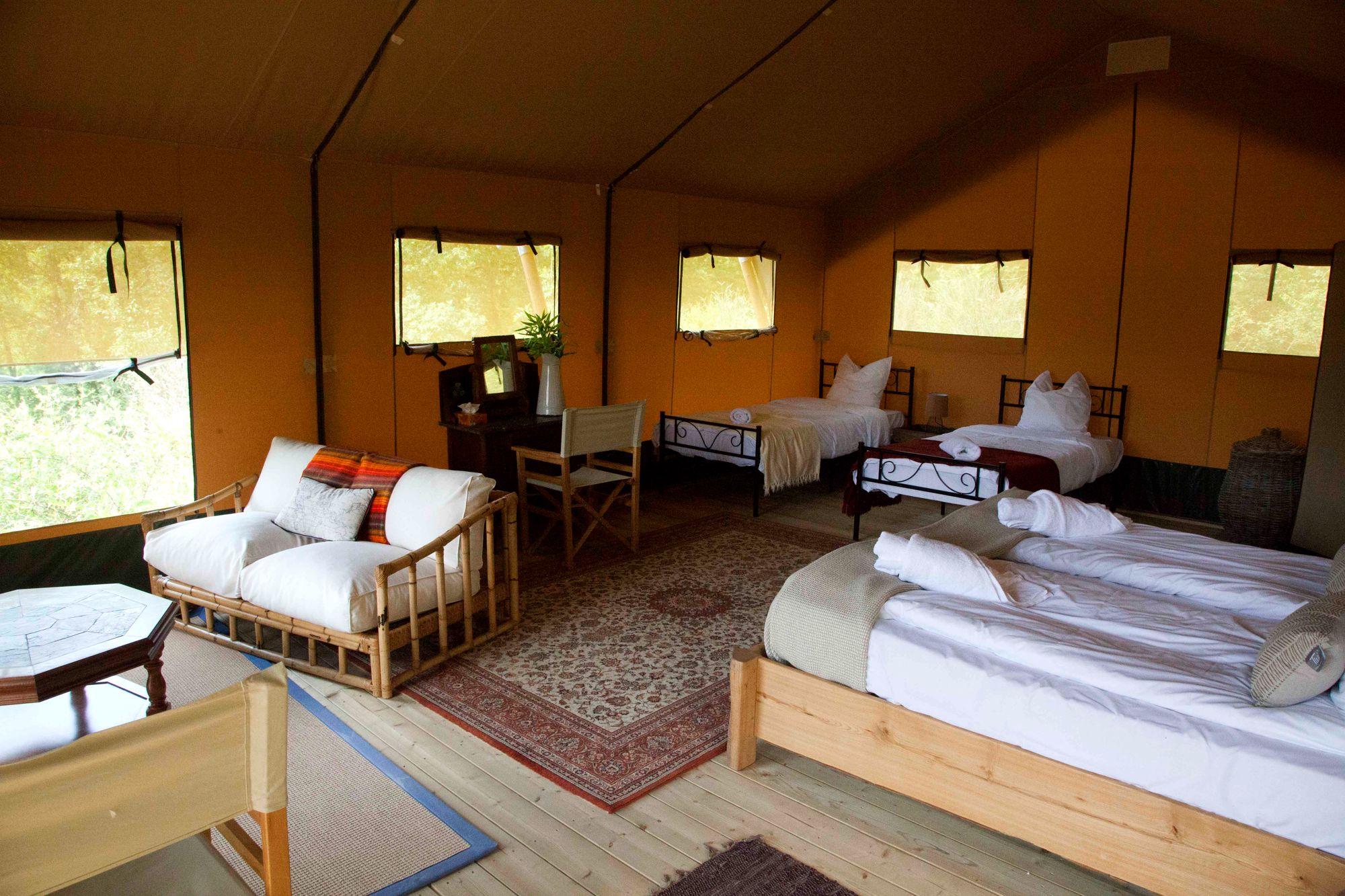 Meru Ensuite Safari Tent At Le Camp Cool Camping