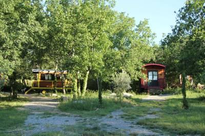 Les Roulottes de Campagne Domaine de St-Cerice, 07200 Vogué, Ardèche, France