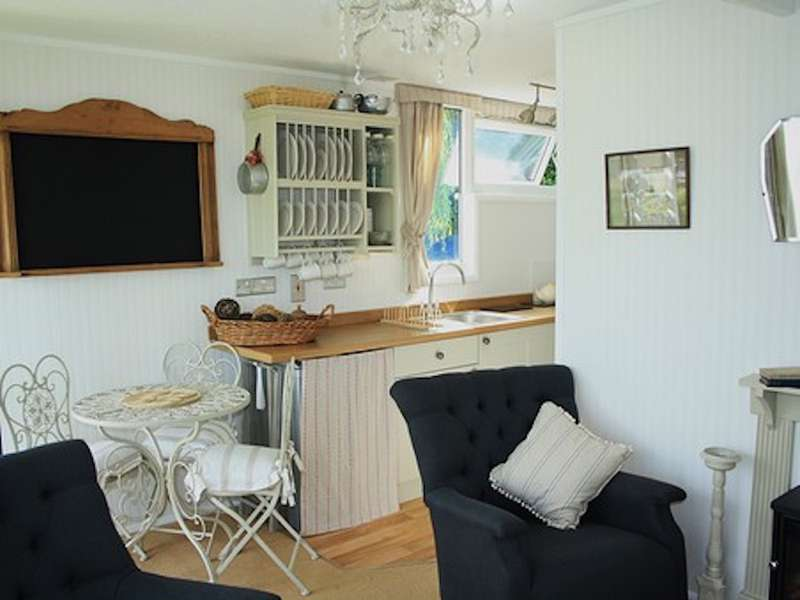 The Norfolk Summerhouse 38 Cedar Springs Heacham Norfolk PE31 7AR