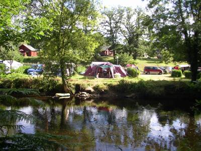 An active Brittany campsite with more than enough fun for the family and an enjoyable riverside location for those who bag the best spots.