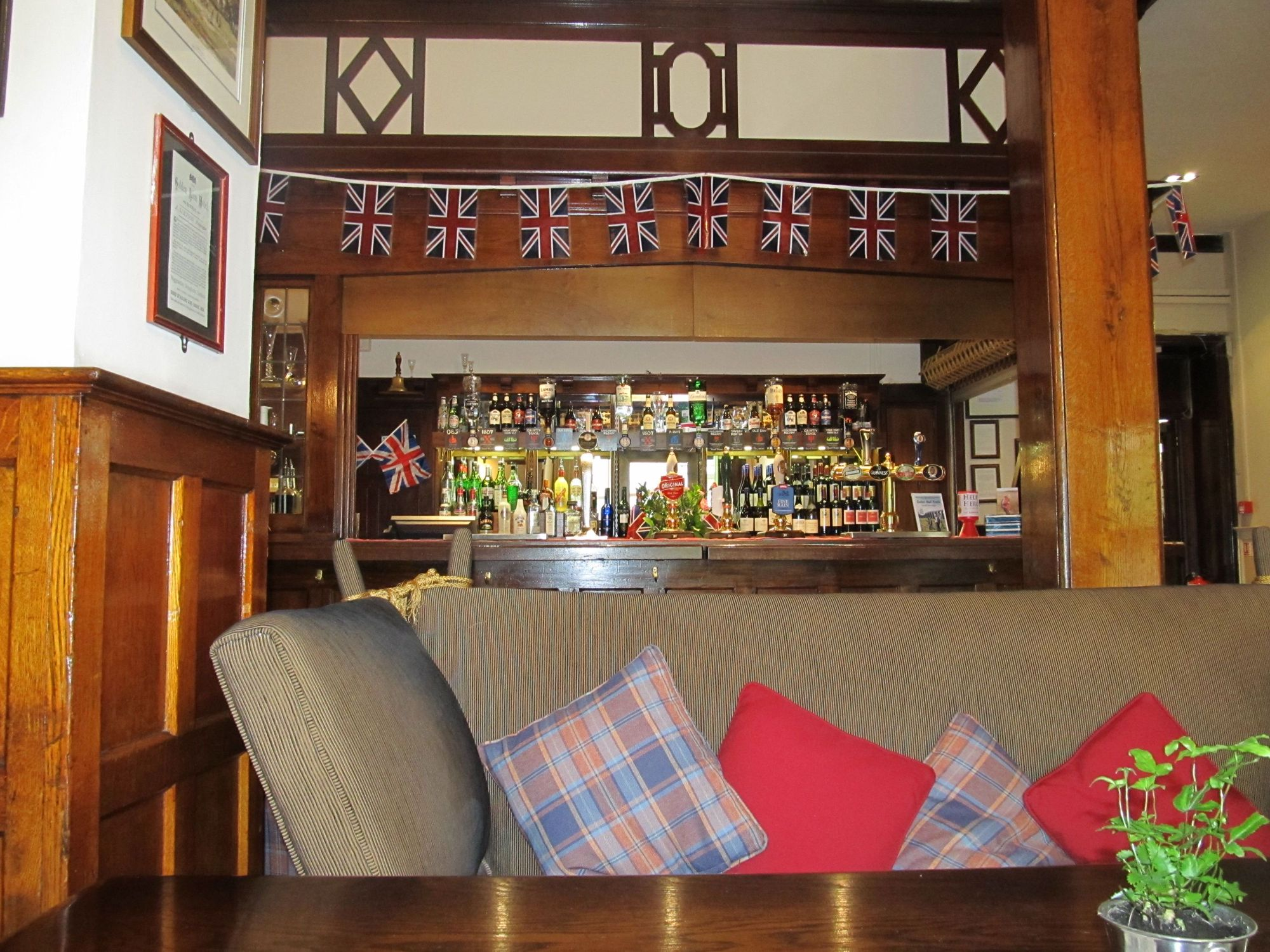 The Lion at Settle