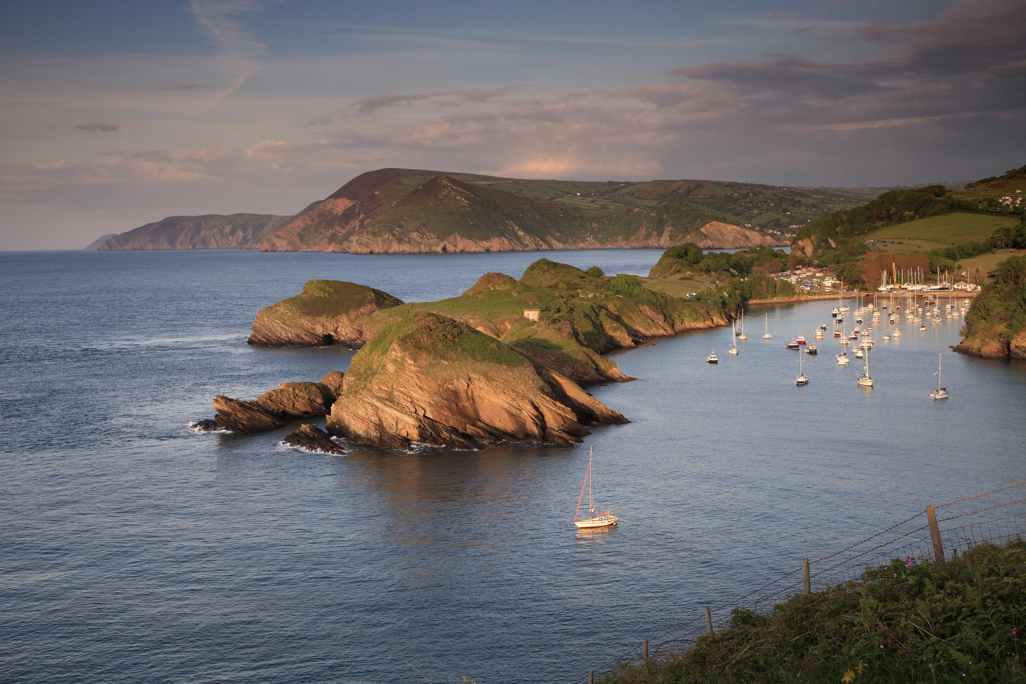 Ilfracombe Camping | Best campsites in Ilfracombe, Devon