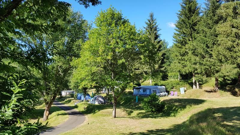 Camping le Lac de la Siauve Camping Lac de Siauve, Rue du Camping, 15270 Lanobre, Cantal, France