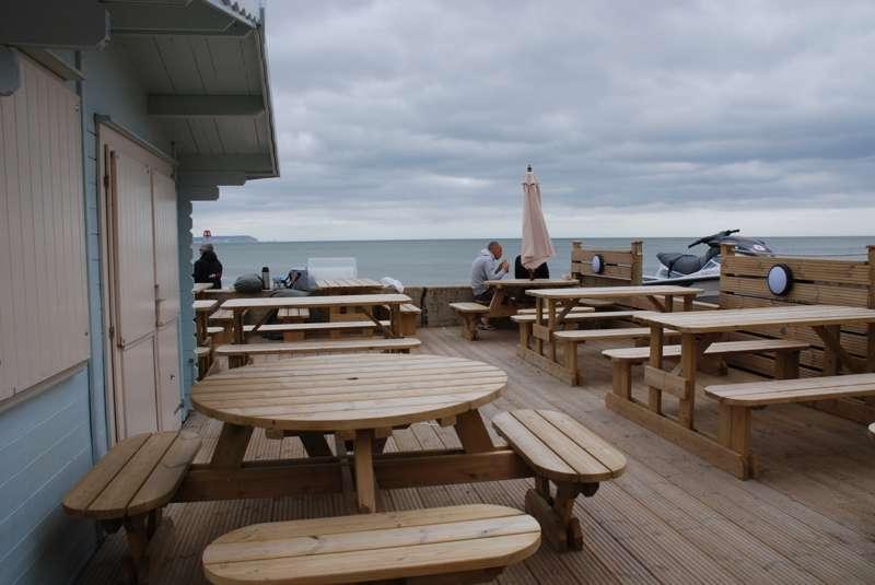 Avon Beach Restaurant