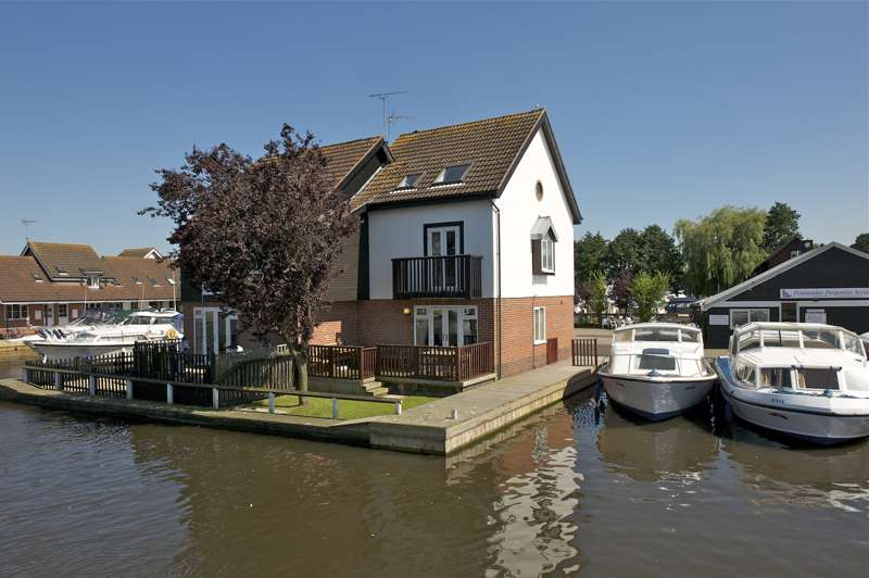 Norfolk Broads Direct Cottage Holidays The Bridge,  Wroxham, Norfolk, England, NR12 8RX