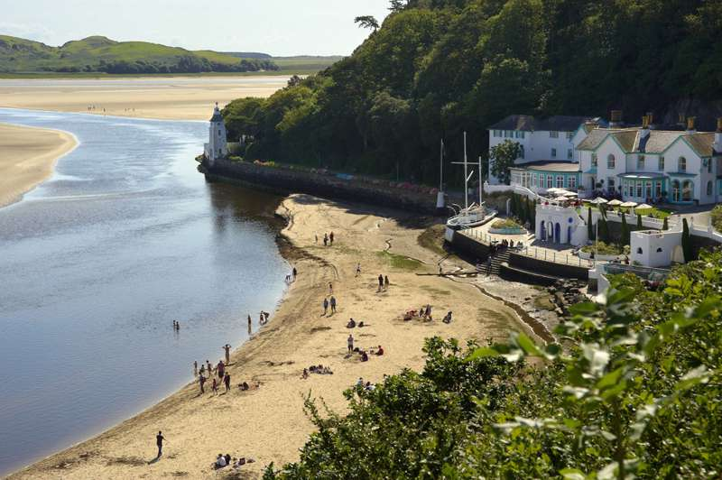Waterside Hotels – Lakeside, Seaside & Riverside Hotels - Cool Places to Stay in the UK