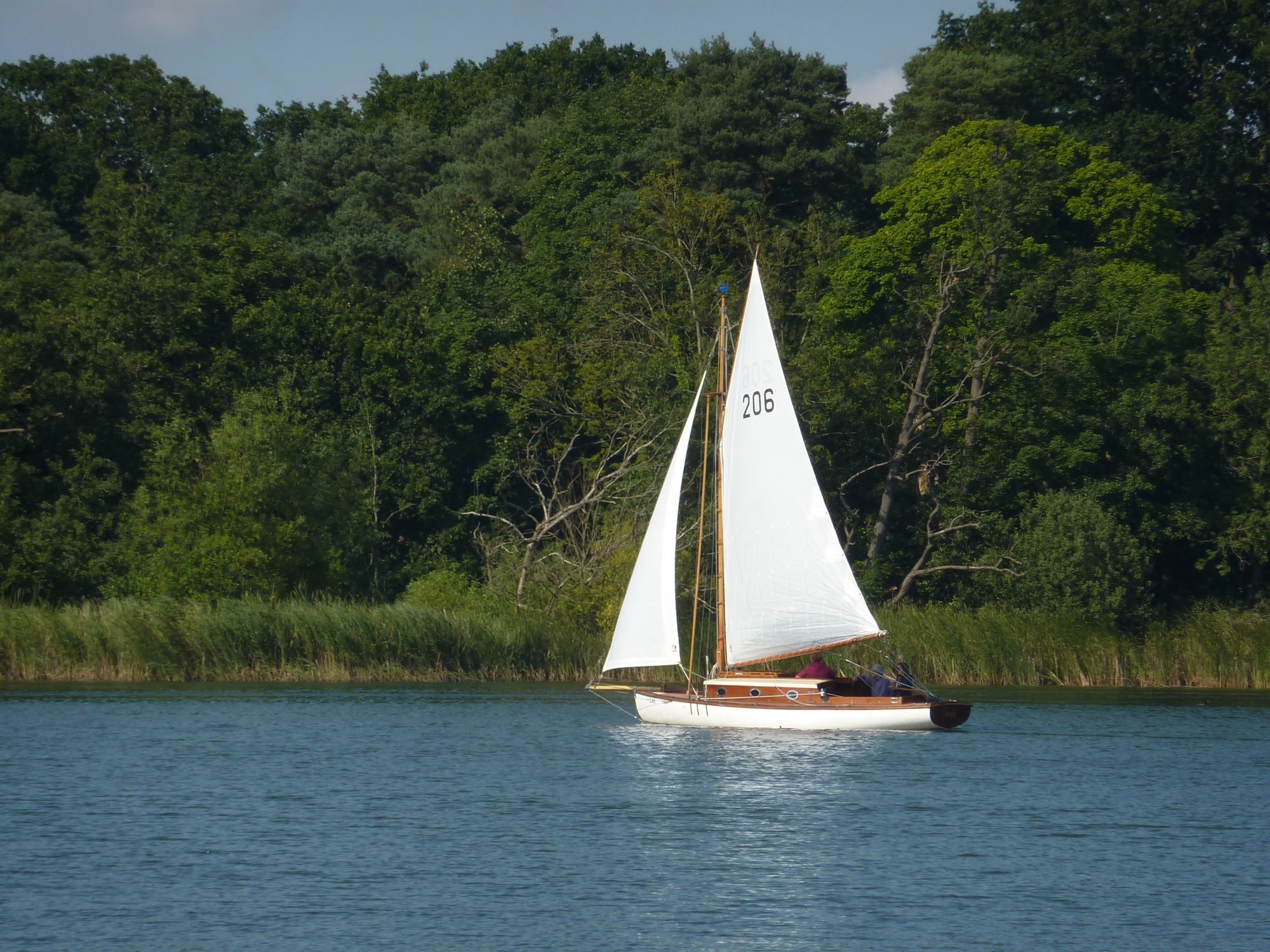 Hotels, Cottages, B&Bs & Glamping in the Norfolk Broads National Park - Cool Places to Stay in the UK