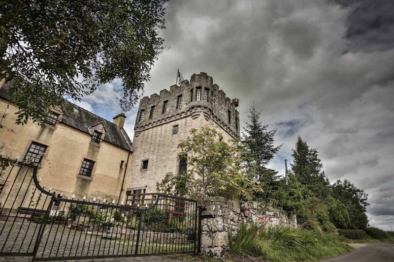 Hotels, Cottages, B&Bs & Glamping in Stirlingshire - Cool Places to Stay in the UK