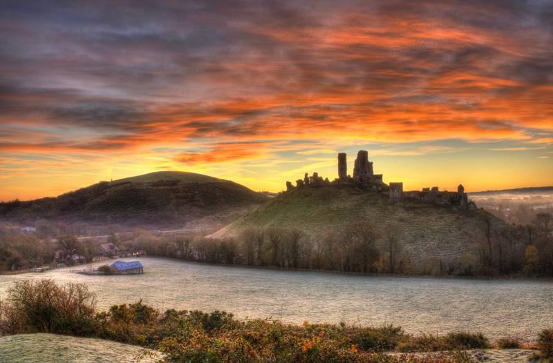 Corfe Castle Camping –Campsites near Corfe Castle, Dorset