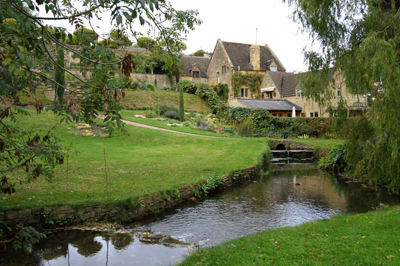Ratty's Retreat Lower Farm Cottages School Lane Blockley Gloucestershire GL56 9DP