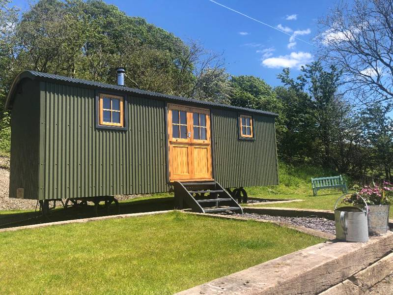 Brondel Luxury Shepherd's Hut Llanfihangel-y-Creuddyn, Aberystwyth, Ceredigion, SY23 4LD