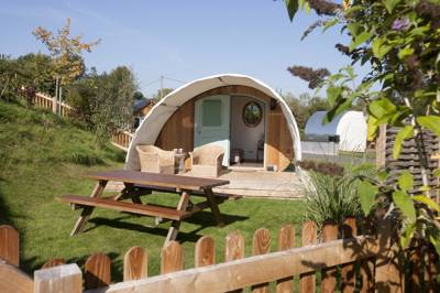 Rural, friendly camping and if you're planning on seeing Stonehenge, it's the perfect place to reside.