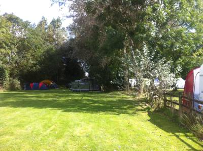 Camping of old in the quiet countryside, perfectly placed between the Lincolnshire Wolds and the coast.