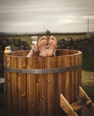 Glamping sites with Hot Tubs