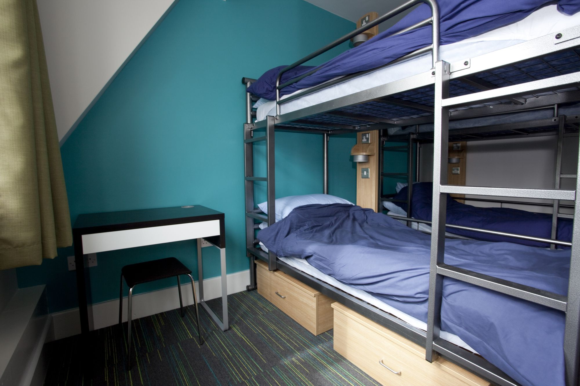 Hostels in Greater London holidays at Cool Places