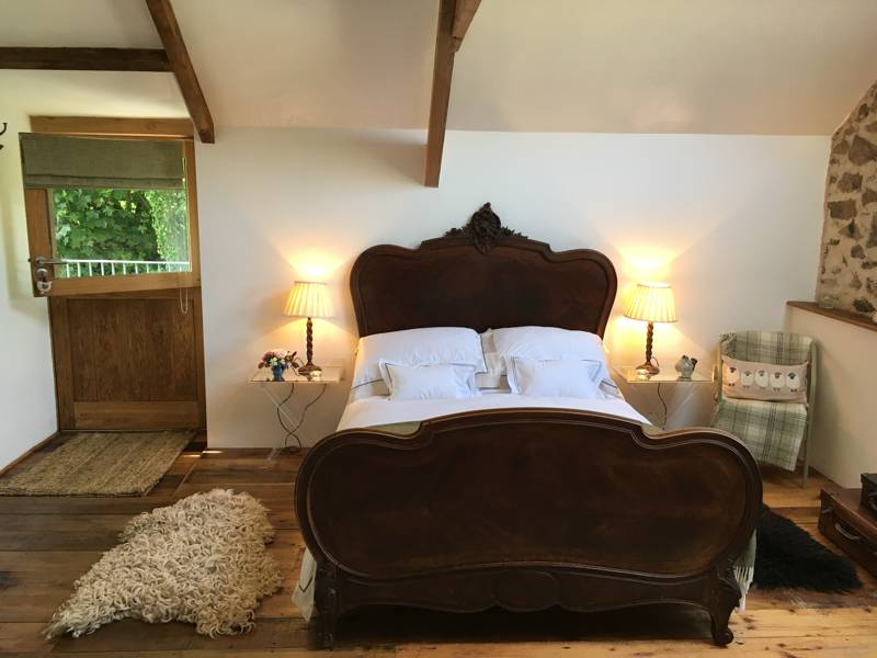 The Granary B&B Devon Yurt, Borough Farm, Kelly, Lifton, Devon PL16 0HJ