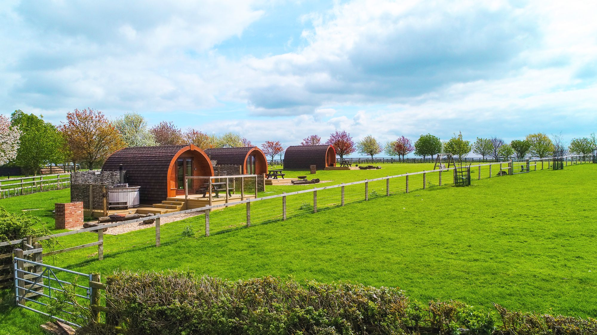 Glamping in Aylesbury holidays at Glampingly