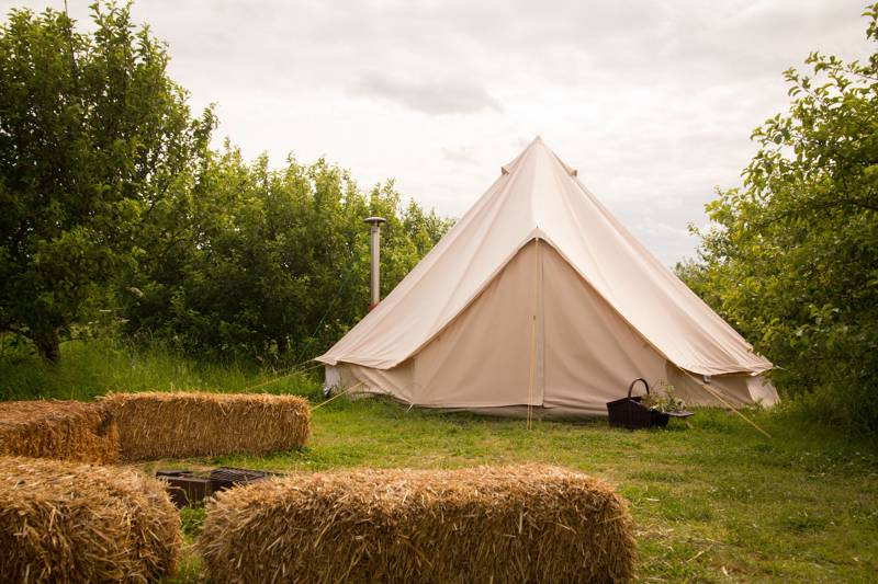 Ode to a Bell Tent – a Poem by Penelope Lewis