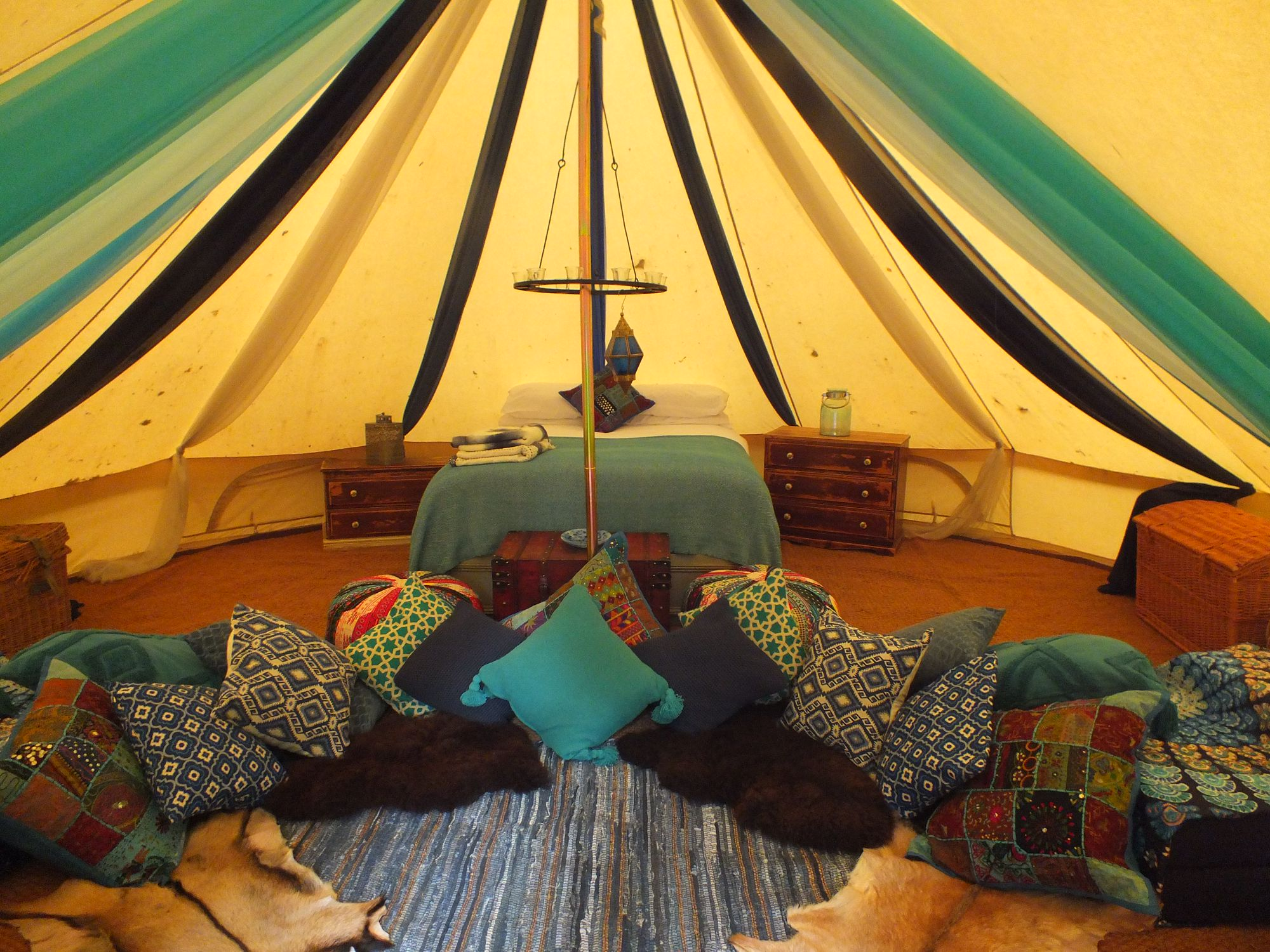 The Moroccan Bell Tent & The Moroccan Bell Tent at Hollington Park Glamping - Cool Camping