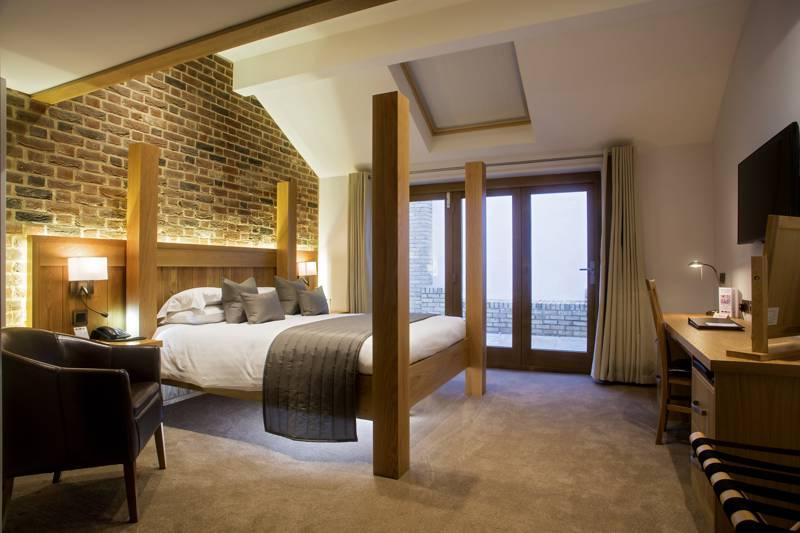 Tewin Bury Farm Hotel Hertford Rd, Welwyn Garden City, Tewin, Hertfordshire AL6 0JB