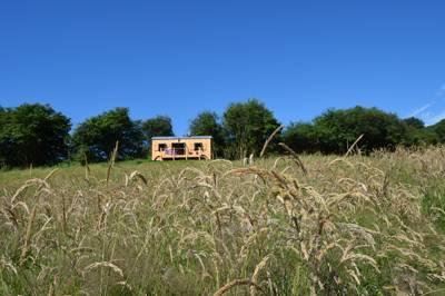 Onnenfawr Glamping Glwydcaenewydd Farm, Crai, Nr Sennybridge, Brecon, Powys, LD3 8YP