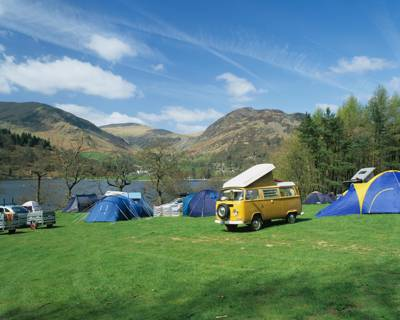 Side Farm, on the eastern side of the Lake District, might just be one of the most scenically situated campsites on the planet, sandwiched as it is between the steep slopes of Place Fell to the rear and the sylvan shores of Ullswater at its front.