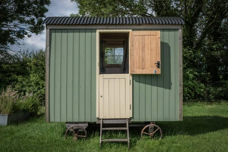 Acorn Shepherd Hut.