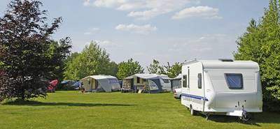 A well located, family-friendly campsite in the Forest of Dean boasting a wealth of onsite facilities.