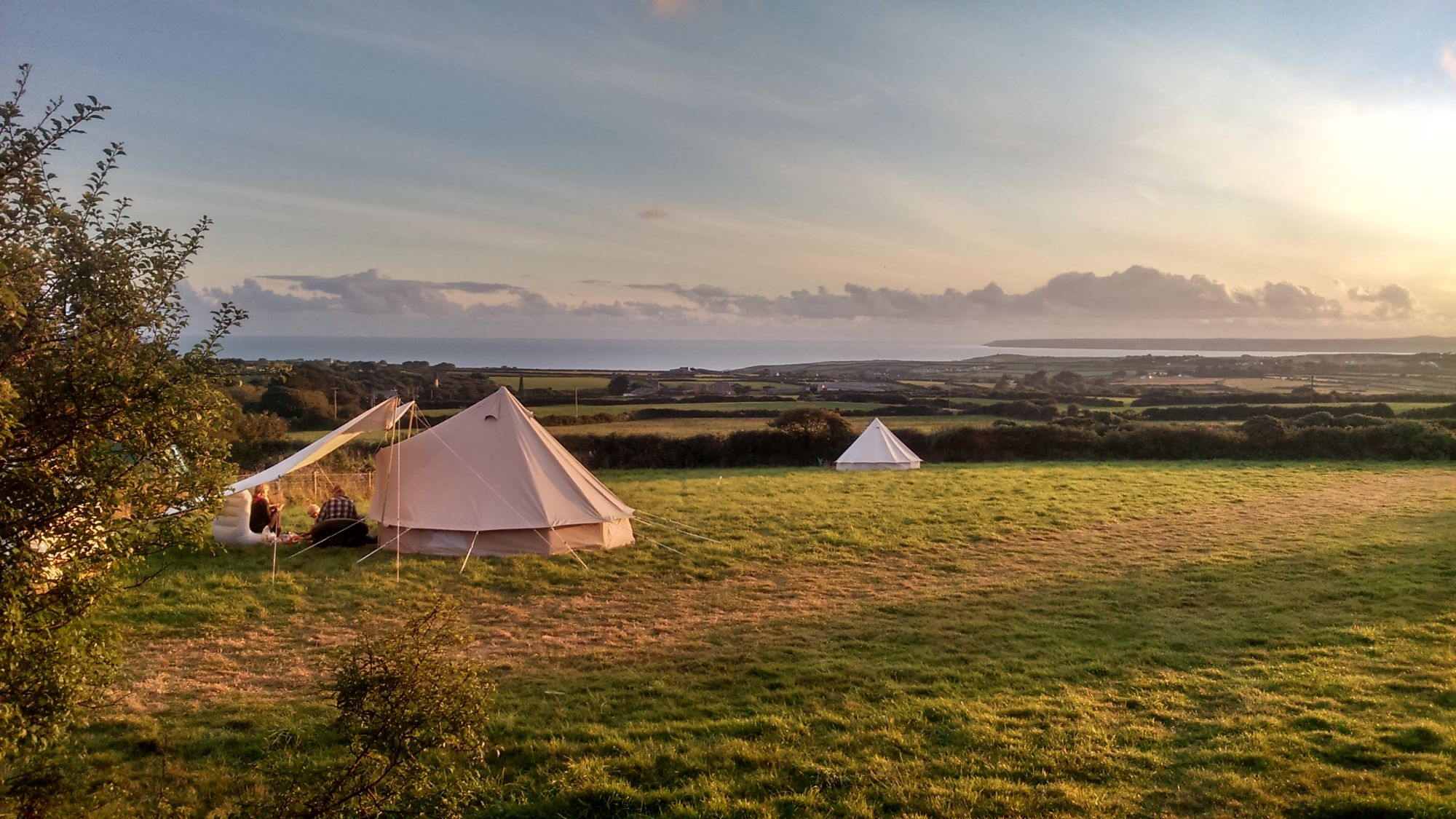 A rustic 28 day pop-up site with excellent views and a wild location on the Cornish coast.
