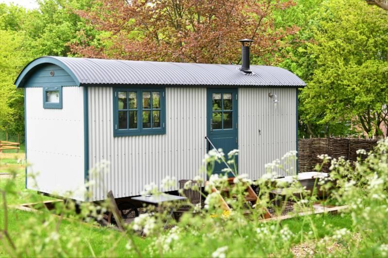 Little Fleece at Folly Farm Folly Farm, West Ilsley, Newbury, Berkshire RG20 7AZ