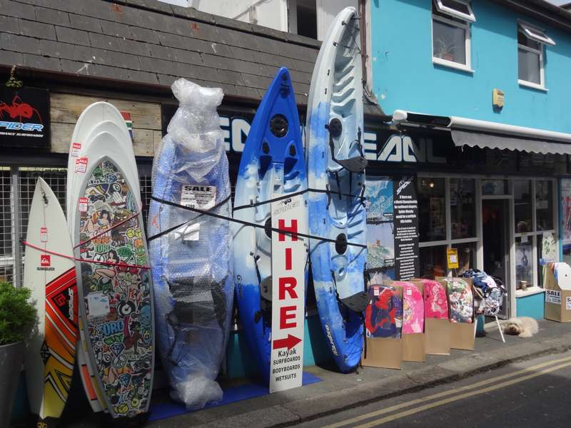 Emoceanl Surf Shop and Kayak Hire