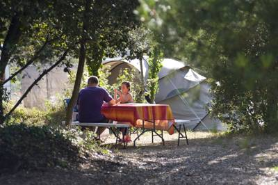 West coast camping in France on the Île d'Oléron with ample facilities in the campsite and a beach within walking distance.