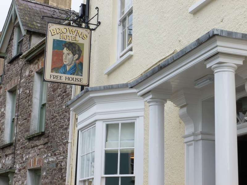 Browns Hotel King Street Laugharne Carmarthenshire SA33 4RY