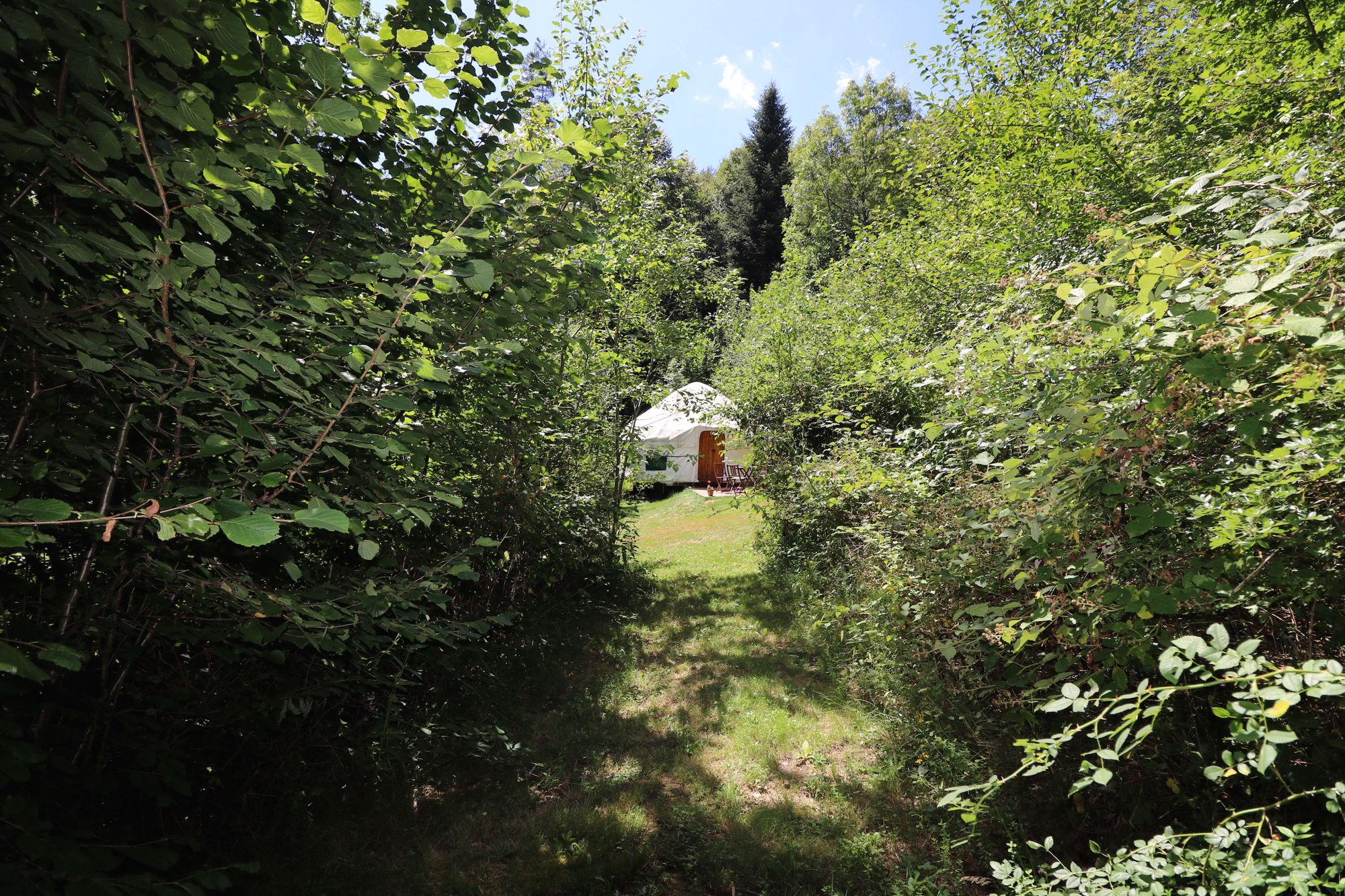Campsites in Auvergne holidays at Glampingly